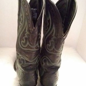 Ariat Shoes - Ariat  womens leather cowboy boots sz 8.5